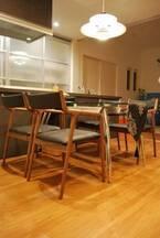 H邸 pepe chair, Y邸 kakinoisu お届け