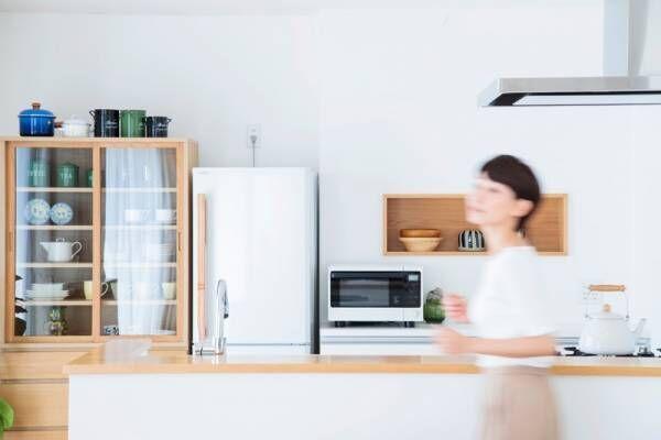 新築の悩み。キッチンの食器棚は「据え置き」と「造り付け」どっちがいい?