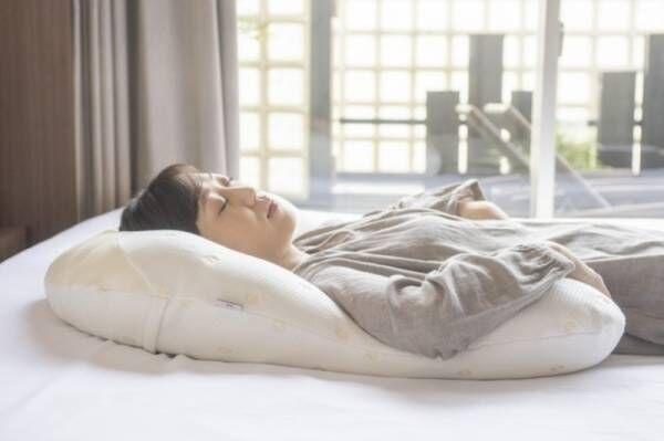 『こりない抱かれ枕』就寝中に肩こり解消。血行促進。磁気発売の時期が来た。眠り製作所初の磁気つかった抱かれ枕発売開始。