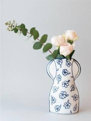マリアンヌ・ハルバーグの「瀬戸焼の花瓶」が発売スタート