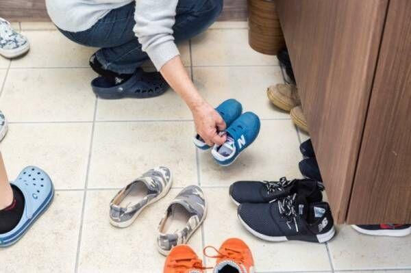 【玄関DIY】靴箱の棚板を変えてオシャレに♪イヤなニオイもなくなりました