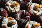 お花のドーナツで話題のgmgm(グムグム)より、日本初となる「おつまみ焼きドーナツ」が販売開始。