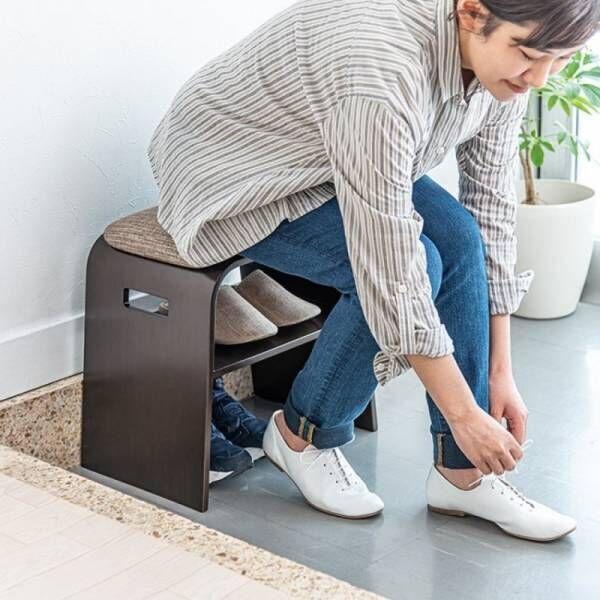 玄関で靴の脱ぎ履きが楽にできる奥行28cmとコンパクトサイズの玄関椅子を7月2日発売