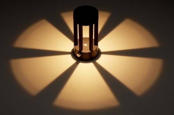 光と影がサイトを演出!足元を効果的に照らす生活防水LEDライト「グランドフットライト」新発売!