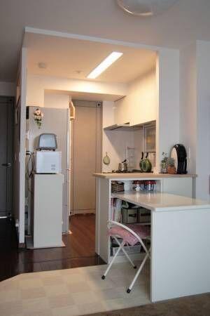 【簡単DIY】丸見えキッチン対策!パネルシステムを使ってリビングとの間仕切りカウンター棚を作りました!