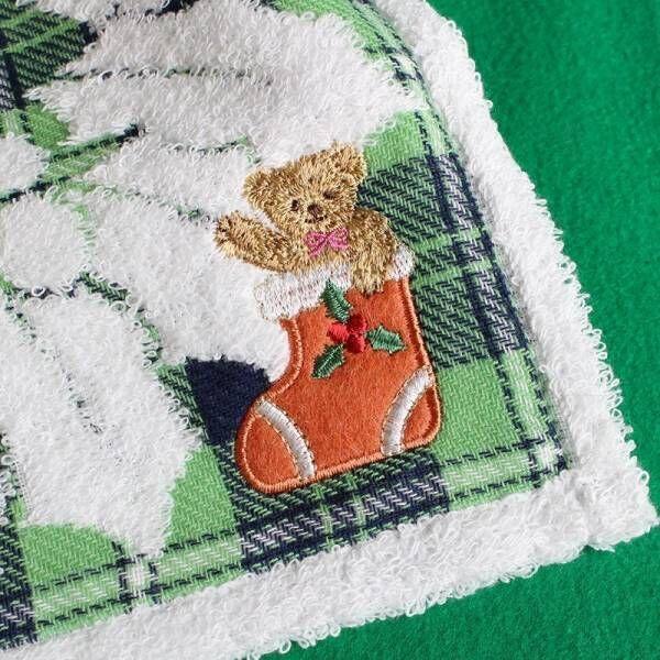クリスマスやホリデーギフトに最適 愛らしいクマモチーフの タオルハンカチーフが登場