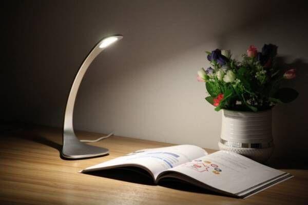 インテリアのように使えるLEDスタンド「オールメタルタッチテーブルランプ」