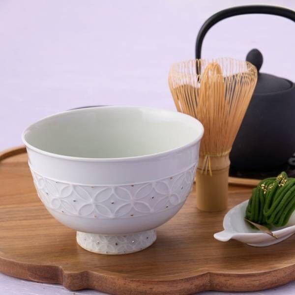 祇園辻利こだわりのディテールがここに。いつもの時間をラグジュアリーなひとときへと昇華させる、特別な抹茶碗のセットが誕生。