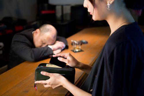 日本でも多発!? もしもお酒の失敗で「昏睡強盗」に遭ったとき絶対にすべき5つのこと
