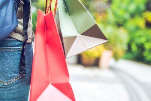 特定の店に客を流す一部のパック旅行…キックバックを貰ってても罪に問われない?