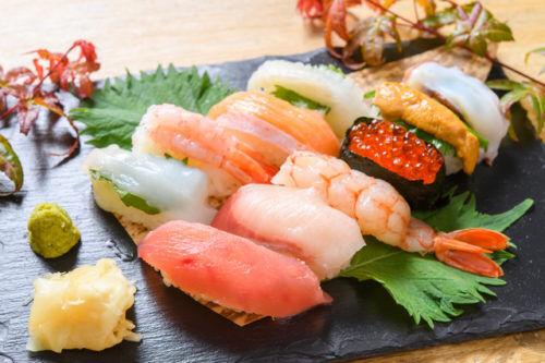 値段の書いていない寿司…法律に違反してないの?