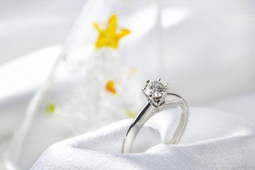 取り返せると思ったのに!婚約破棄したときの婚約指輪の行方