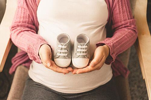 先輩ママの胎教体験談!いつから始める?音楽&絵本が良い?YouTube活用法も伝授