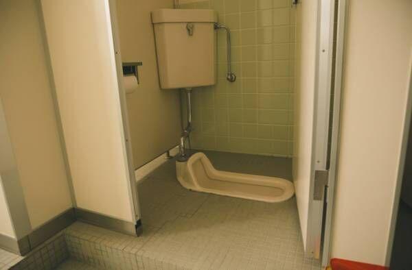 【盲点!】じつはカビの温床!トイレタンクの掃除方法は?