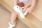 【いつも左右が違う!】子どもが靴を履けるようになるコツとは?