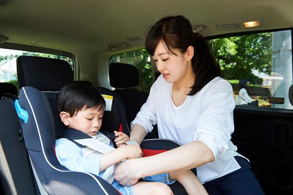 法律や罰則を知ってる?チャイルドシートの着用義務は何歳まで?