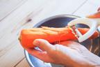 【時短になる!?】キャンドゥの「つま切り専用ピーラー」を使ってみた
