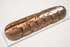 一度に2つの味が楽しめる!セブン「Wクリーム&チョコチップのパン」