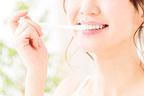 食事直後の歯磨きで歯が腐食する!? 正しい歯磨きのタイミングは?