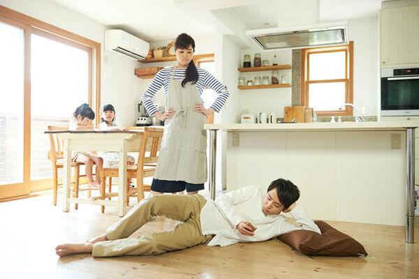 ○○しっぱなしの夫を改善できる? みんなの意見は…