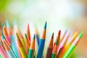 【色鉛筆で頭蓋骨骨折】消費者庁が文具でのケガに注意喚起