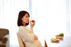 【妊娠中の安定期】空腹感を満たすために何を食べる?