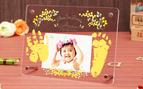 6ヶ月、1歳の記念に! 赤ちゃんの手足形をそのままの大きさで残せるフォトフレーム