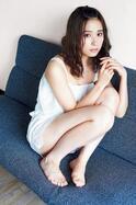 乃木坂46衛藤美彩、ショートパンツでスラリ美脚あらわ