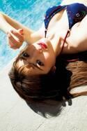 乃木坂46松村沙友理、水着で美バスト披露×物憂げな表情にドキッ