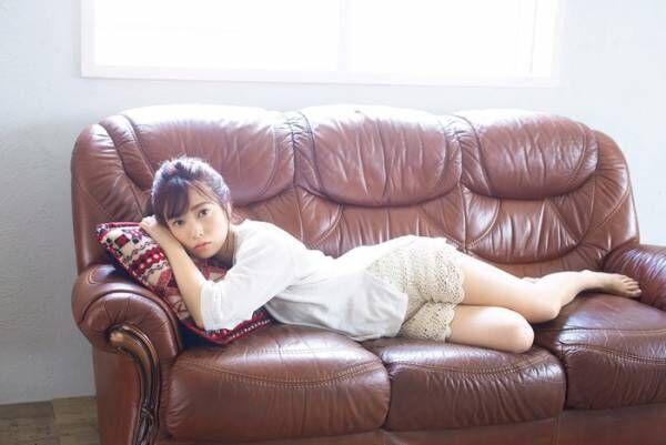 乃木坂46斉藤優里、ショーパンでリラックスムード 爽やかに魅了
