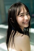 井桁弘恵、鮮烈グラビア披露でオトナな魅力 水着姿も