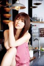 AKB48清水麻璃亜、自身初のソログラビア解禁「私を変えて」