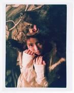 今田美桜「bis」初表紙で森の中に迷い込む