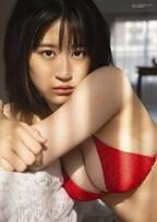 NMB48上西怜、豊満バスト披露の赤ビキニで色気放出