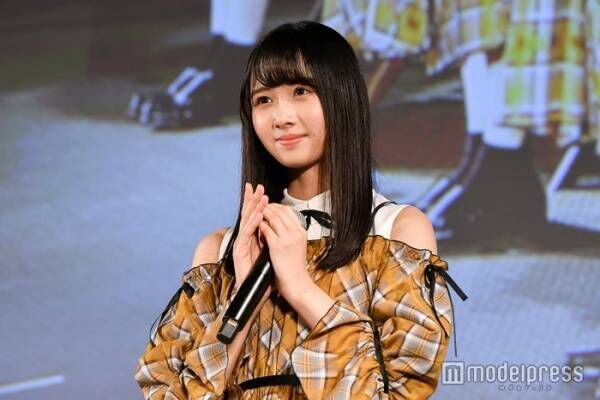 """日向坂46上村ひなの、加入1周年記念 メンバーからの""""独特な祝福""""明かす"""
