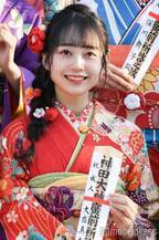 AKB48グループ成人式でセンターに抜擢 ドラフト3期・大盛真歩のブレイクに期待【注目の人物】