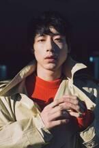 坂口健太郎、モードな姿で魅了 俳優としての想いを語る