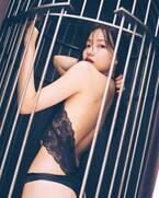 """NMB48村瀬紗英、1st写真集発表 水着&ランジェリーで""""ドSボディ""""解禁"""