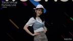 """日向坂46佐々木美玲、""""みーぱんポーズ""""で笑顔はじける胸キュンランウェイ<Tokyo Virtual Runway Live by GirlsAward>"""