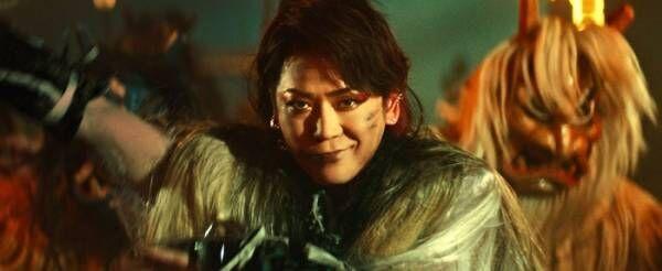 """KAT-TUN亀梨和也、""""なまはげのボス""""に変身 キレのある舞披露"""