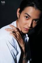 """渡邊圭祐、色気たっぷりな表情で魅せる """"手""""だけにフォーカスしたショットも"""