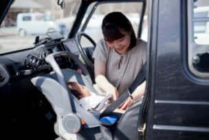チャイルドシートの前向きは危険!新生児を乗せる前に気をつけること