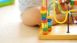 知育玩具ルーピングが優れている理由と効果とは? 年齢別おすすめ商品