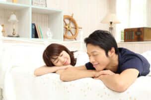 夫婦円満の秘訣は……ベッド・寝室を別にすること!? 夫婦が別々に寝るワケ