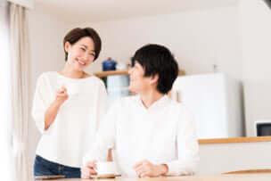 夫婦の会話が少ない原因とは……会話がないのはいけないこと?