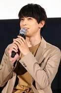吉沢亮、ドS発言をリクエストされチャレンジするも照れてしまい…