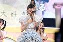 SKE48の大矢真那、卒業コンサートで涙!