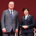 小池百合子東京都知事、アル・ゴアは「地球を守る伝道師」