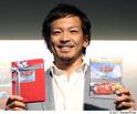 ホークス松田宣浩選手、ラッピングされたDVDに「気持ちがこもってる」と笑顔!