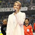 倖田來未がJリーグ開幕25周年のオープニングゲームで国歌独唱!